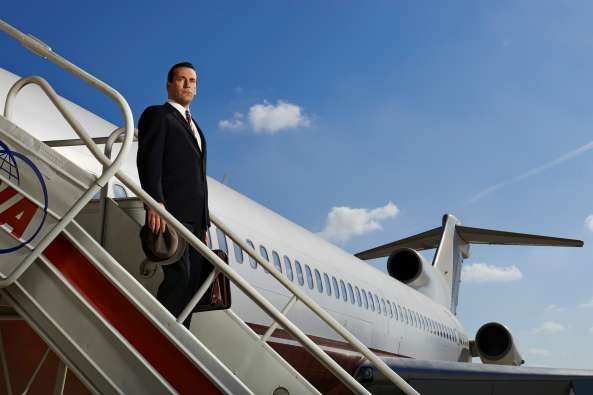 Don-Draper-on-plane-Mad-Men-season-7